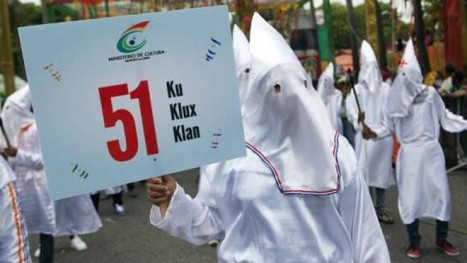 DR parade costumes to protest Haitian presence in DR. We're Not Racists: Dominican Government Defends Use Of KKK Costumes In Parade, March 2014