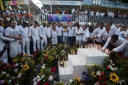 February 17 all-white vigil. The band played on. Champs Mars, Haiti, Feb 17, 2015. Photo source: Miami Herald